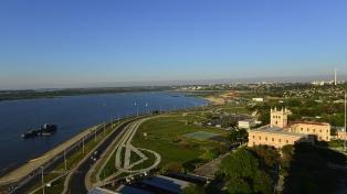 Más de 21.500 afectados en Asunción por la crecida del río