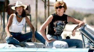 """Susan Sarandon y Geena Davis se preparan para el 30° aniversario de """"Thelma & Louise"""""""