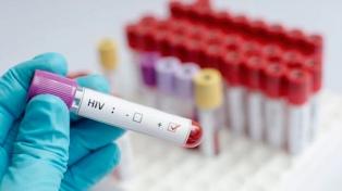Estiman que 129.000 personas viven con VIH en la Argentina y que el 20% no lo sabe