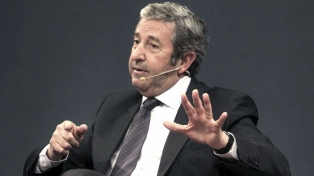 """Cobos manifestó """"preocupación"""" por el ataque a la Embajada argentina en Chile"""