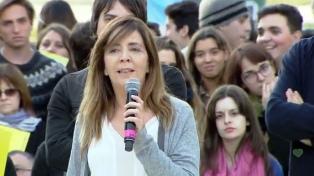 Gabriela Cerruti destacó la sanción de ley de paridad género en medios y cuestionó actitud de Adepa