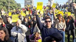 """Filmus y Recalde le sacaron """"tarjeta amarilla"""" a Macri por la economía"""