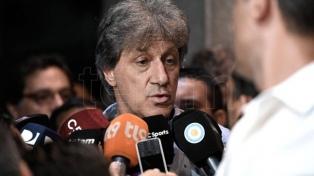 Diego Maradona apoyó la decisión de Marchi de parar el fútbol