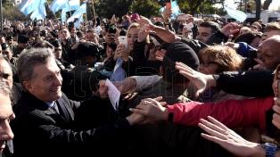 Macri encabeza un acto de campaña en la localidad bonaerense de Azul