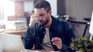 Las personas con migraña crónica pierden 4,6 días laborales al mes