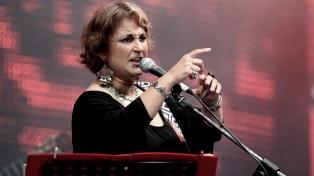 Yamila Cafrune más Roberto y Cuti Carabajal, en Argentina Baila