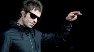 """Liam Gallagher vuelve a poner un álbum """"MTV Unplugged"""" en el tope de las listas"""
