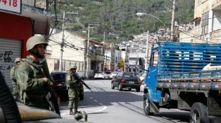 Guerra narco: un muerto y cinco heridos por un tiroteo en una favela
