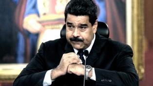 """El chavismo avanza en la inhabilitación electoral de la oposición, que inscribió candidatos """"comodines"""""""