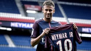 Bielsa y Neymar, las atracciones en Francia