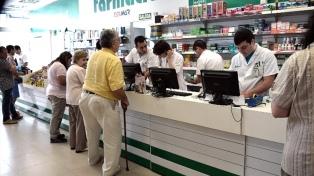 """Fernández: """"Cumplimos nuestra palabra de garantizar medicamentos gratis a los jubilados"""""""
