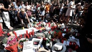 El juez dictó prisión preventiva para dos de los detenidos por el ataque en Barcelona