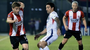 Estudiantes cayó ante Nacional por la mínima en Paraguay