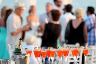 Invitados para casamiento se alquilan…