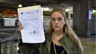 Prohíben salir a la mujer de Leopoldo López para reunirse con Macron, Rajoy, Merkel y May