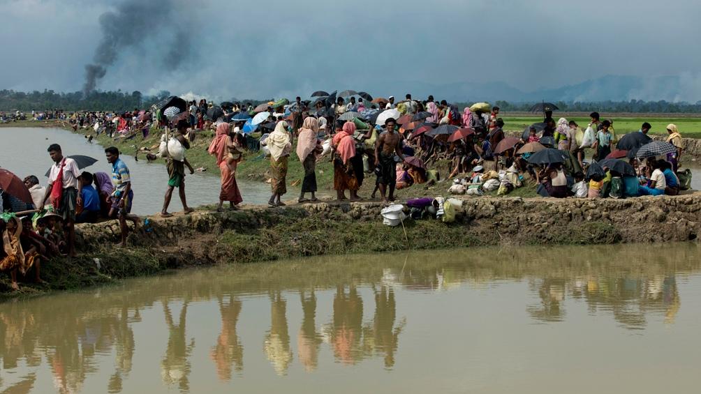 Los rohingyas llegaron a Bangladesh escapando de los militares de Myanmar.