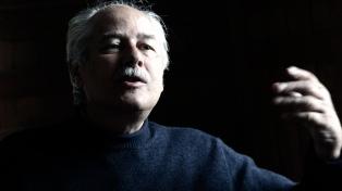 Un ex asesor de Chávez alertó que la situación se encamina a un golpe militar
