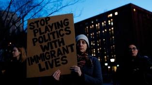 Dividida, la Corte Suprema discute el cuestionado el veto migratorio de Trump