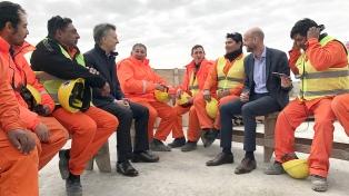 El presidente Macri supervisó los avances de la obra del viaducto de Puente la Noria