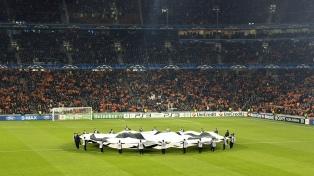 Liverpool cuidó la diferencia de la ida y eliminó al Porto