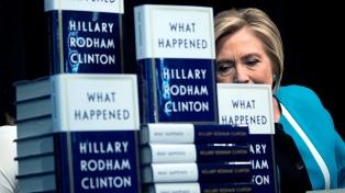Hillary Clinton se desahoga en un libro y explica por qué perdió las elecciones