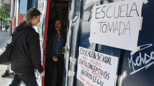 Continúan las tomas en 29 escuelas porteñas contra la reforma de la escuela media