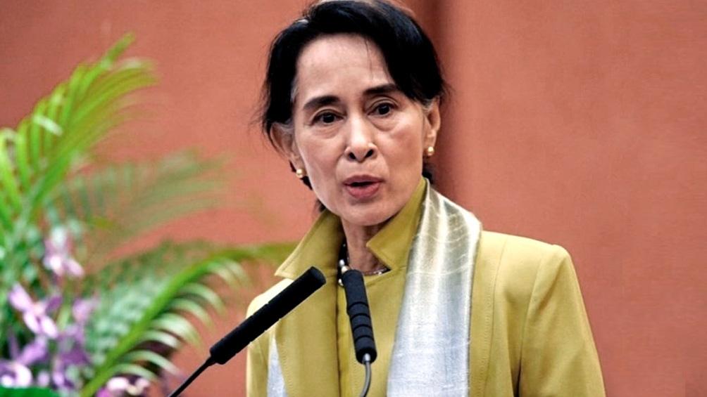 Suu Kyi, de 75 años, regresó a Myanmar en 1988, convirtiéndose en la figura de la oposición frente a la dictadura militar