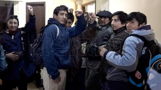 Un grupo mapuche desocupó el juzgado en el que pedía la renuncia del juez