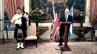 """Gran Bretaña """"va a colaborar con el nuevo gobierno"""" argentino a elegirse, dijo el embajador Kent"""