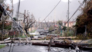 """Piden U$S 94.000 millones para reconstruir la isla tras el huracán """"María"""""""