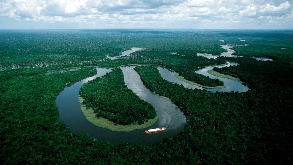 En Brasil, existen casi un millón de indígenas, de los cuales 750.000 viven en reservas.