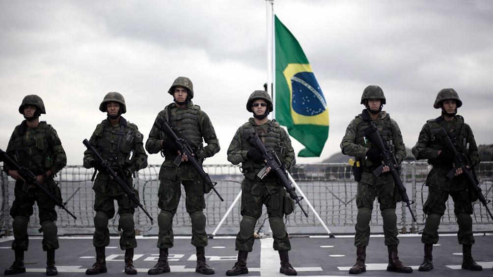 Jair Bolsonaro fustigó la investigación de la comisión del Senado sobre la pandemia, un proceso en el que ha sido impactado el Ejército, utilizado para distribuir en todo el país supuestos remedios.