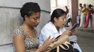EEUU prevé ayudar a Cuba con mejor Internet pero a la vez agregarle sanciones