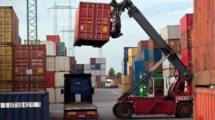 El intercambio comercial cerró octubre con un déficit de US$ 955 millones