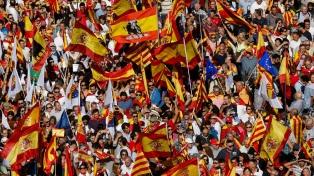 Miles de manifestantes marcharon en Barcelona contra el independentismo