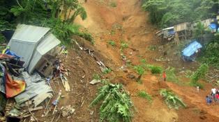 Al menos 37 muertos y 40 desaparecidos por inundaciones y avalanchas