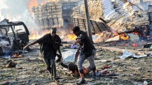 Doble atentado en Mogadiscio: hay más de 230 muertos