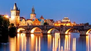 Los checos renuevan su Parlamento con un escenario fragmentado