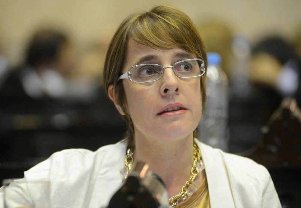 """La diputada radical Gabriela Burgos consideró que """"el fallo de la Corte Suprema en favor de autonomía de CABA para decidir sobre la situación de las escuelas en su territorio simboliza el respeto a la Constitución Nacional"""