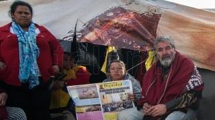 Castells acampa en Plaza de Mayo en reclamo de mejoras sociales