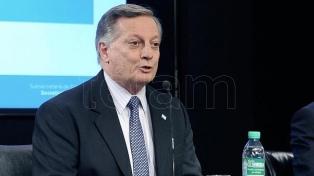 Aranguren rechazó una acusación de Stolbizer sobre contratación de personal