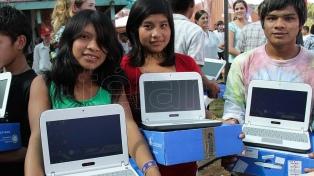 """""""Producir nuevamente notebooks en el país es crear empleo productivo de calidad"""""""