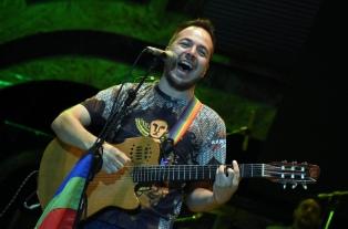 """Bruno Arias presenta """"Eterna risa"""" en su regreso a los escenarios"""