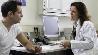 Buscan regular los regalos de los laboratorios a los médicos