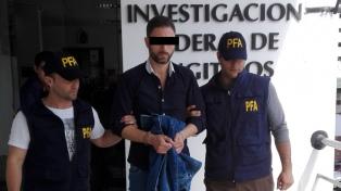 Citan a indagatoria a Leandro Santos por supuestas amenazas a una modelo