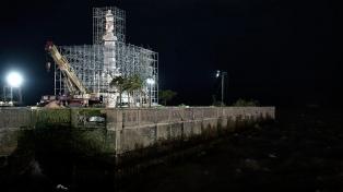 El Monumento a Colón quedó instaladado en la Costanera Norte