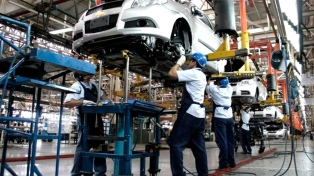 Volkswagen es una de las empresas que este mes pagó sus salarios con aportes del Estado