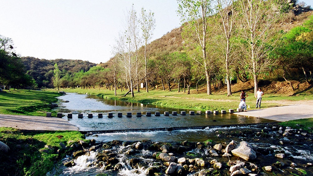 Toda la información de esa región está disponible en el sitio web www.sierraschicasturismo.com.