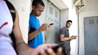 Cuatro de cada 10 latinoamericanos dejarían las redes sociales