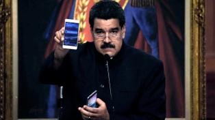 """Caracas lanza su moneda virtual, """"petro"""", para afrontar la crisis económica"""
